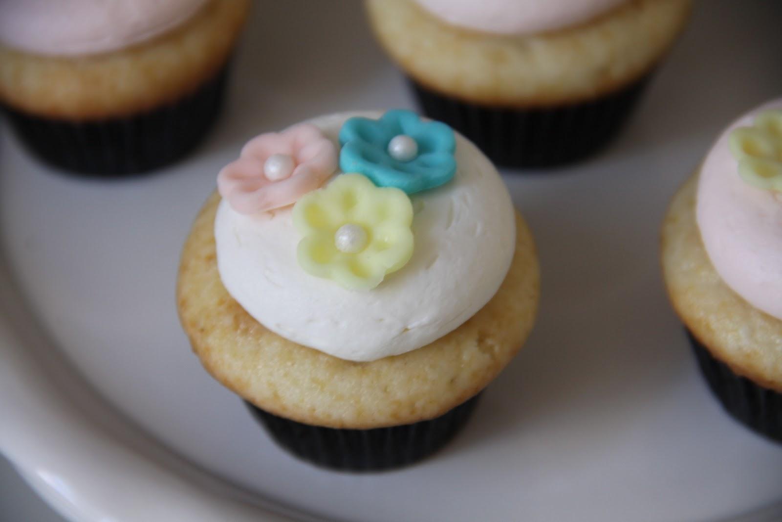 Honey Bee Sweeterie Spring Cupcakes
