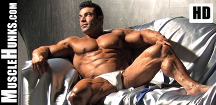 Muscle Hunks from MuscleHunks HD