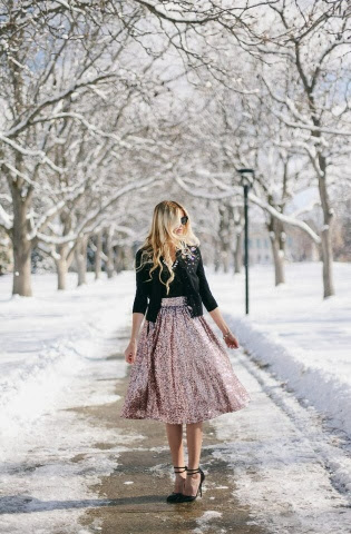 http://barefootblonde.com/2013/12/holiday-series-sequin-skirt.html