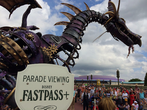 FastPass+ parade and fireworks viewing tips