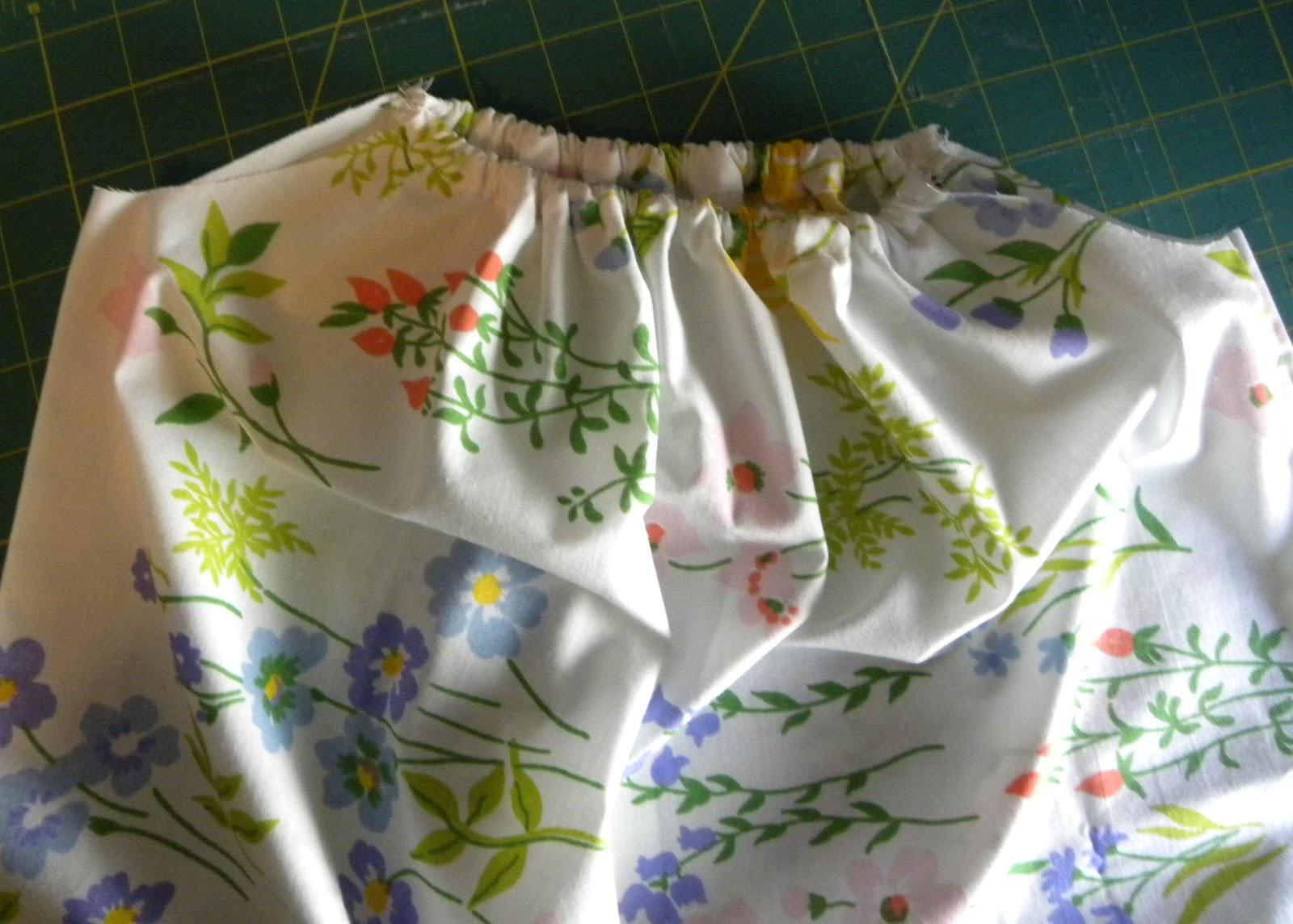 & 402 Center Street Designs: Pillowcase Dress Tutorial pillowsntoast.com