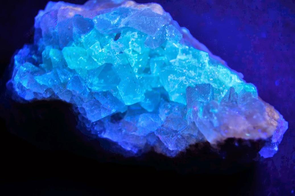 Colección de Minerales Fluorescentes - Página 3 _DSC4027