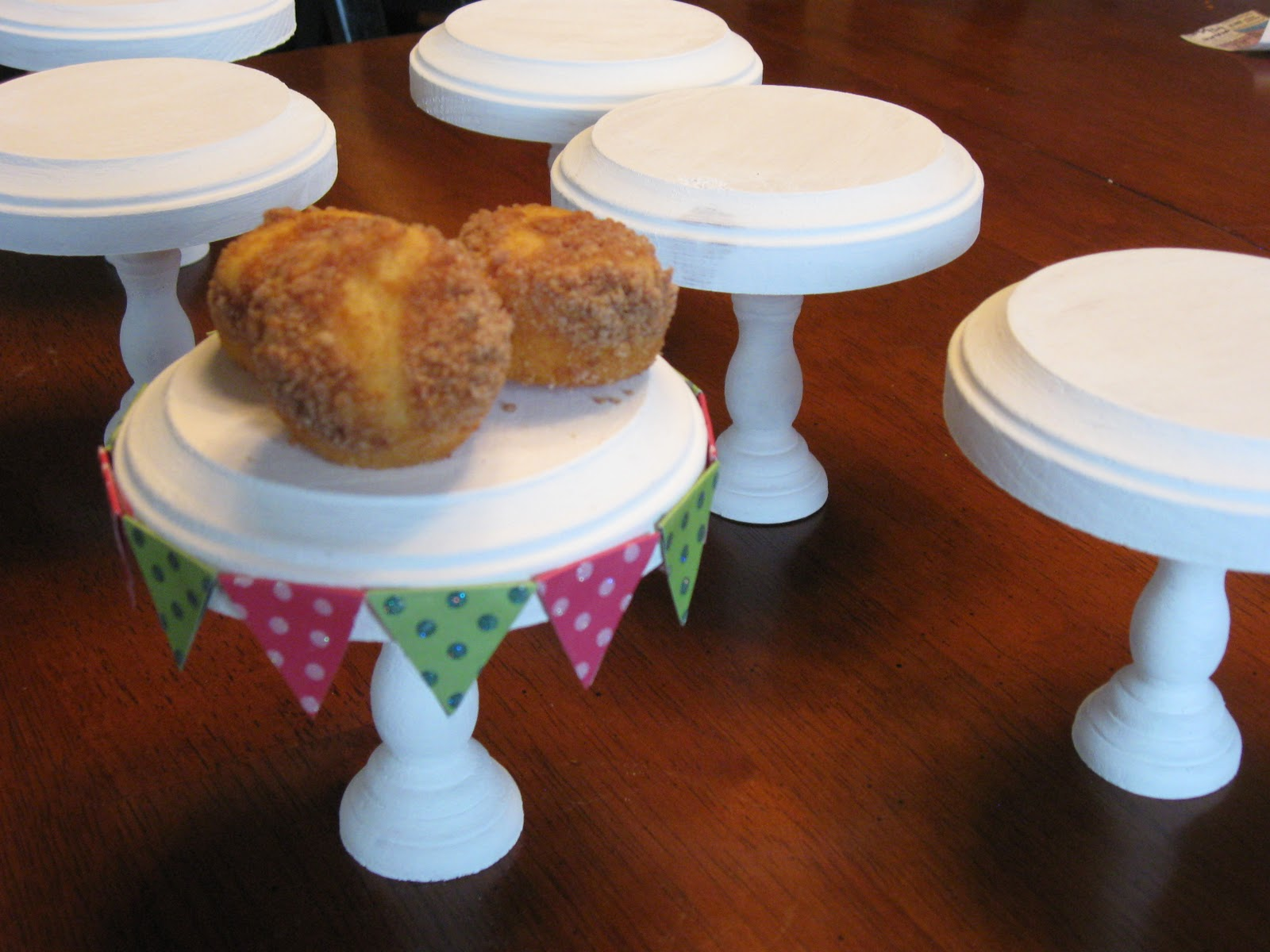 Individual cupcake stands a turtle 39 s life for me for Cupcake stand plans
