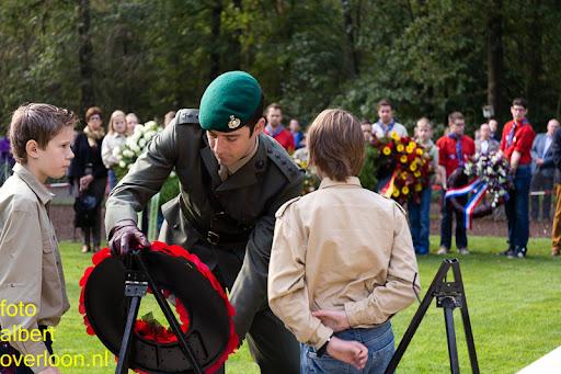 herdenkingsdienst  en een stille tocht naar het Engelse kerkhof 12-10-2014 (68).jpg
