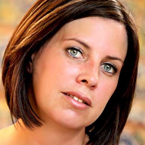 Michele Jones Photo 33