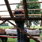 Boerenbruiloft Barlo - Bomen schillen en bouwen boerderij