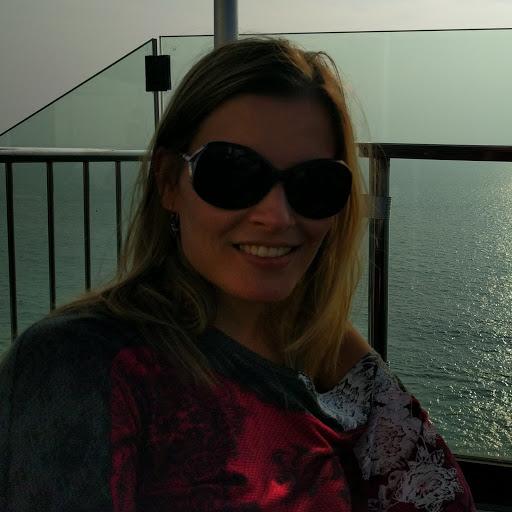 Profile picture for Cláudia C.
