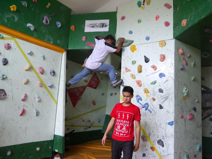 MadMonkeyz Climbing Gym