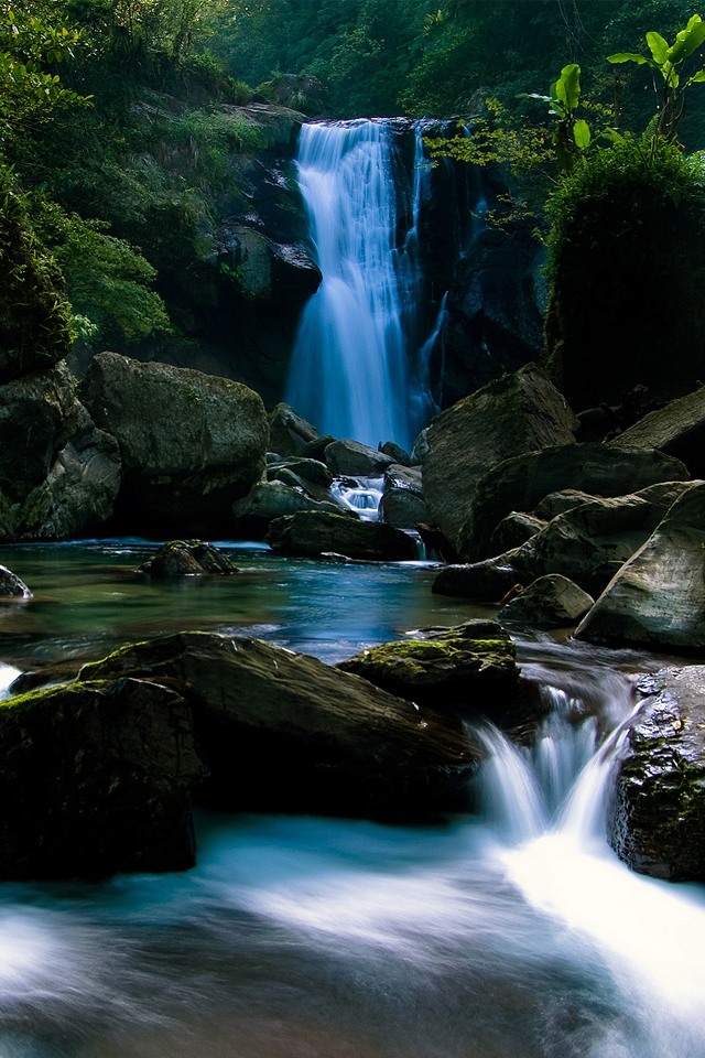 iPhone4 Wallpapers Beautiful Waterfall Pictures