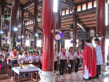 Giáo xứ Hướng Đạo -Thánh lễ ra mắt xứ đoàn Thiếu Nhi Thánh Thể Laurenso