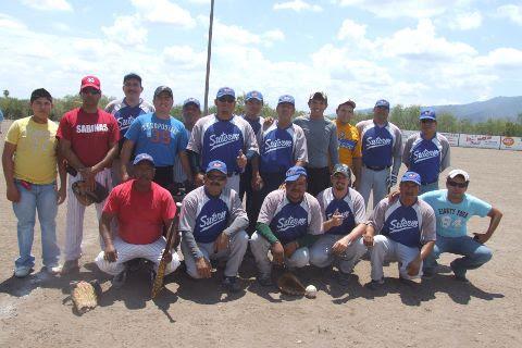 Equipo SUTERM en el softbol del Club Sertoma.