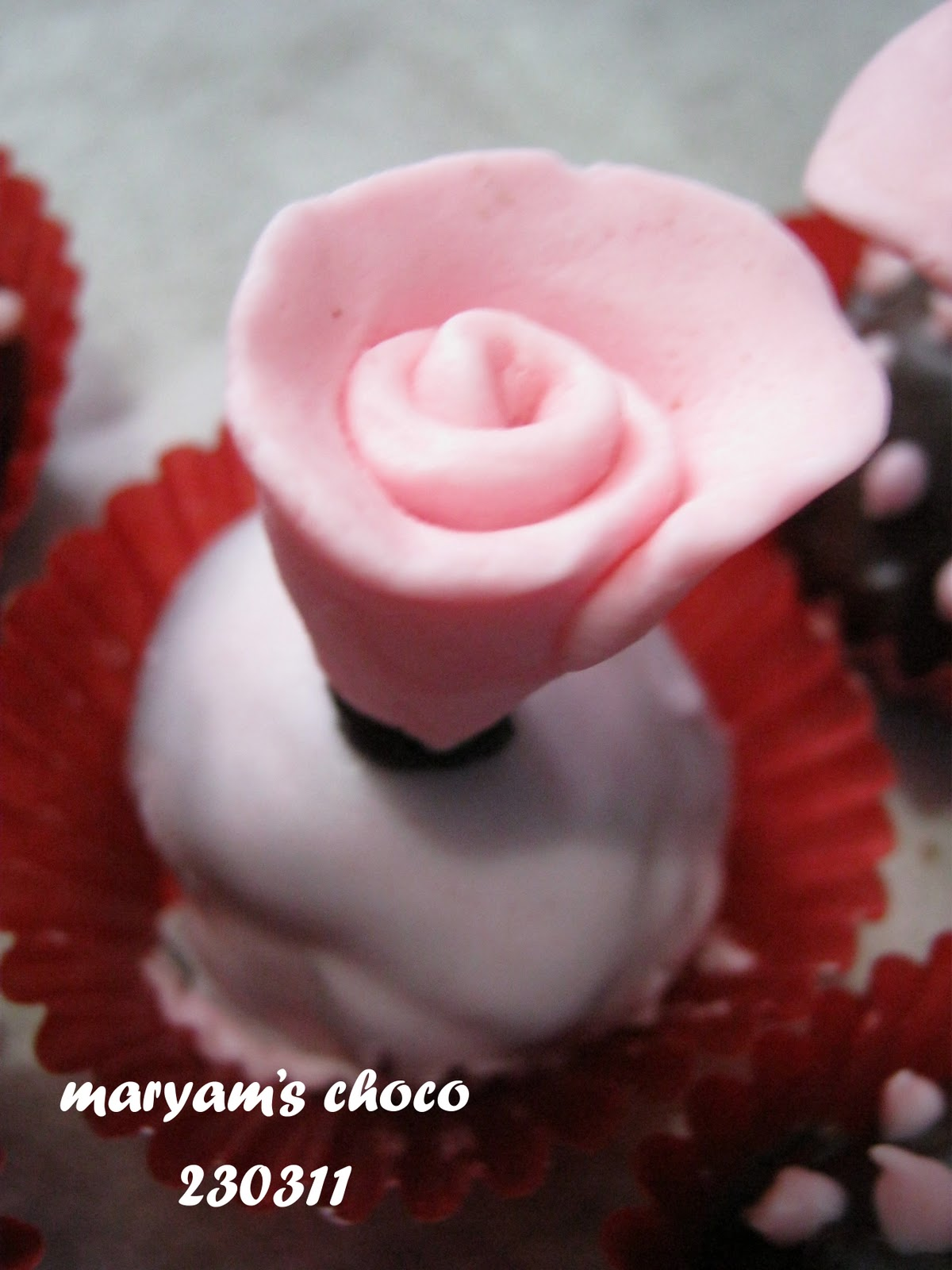 Rose chocoball filling royal jelly