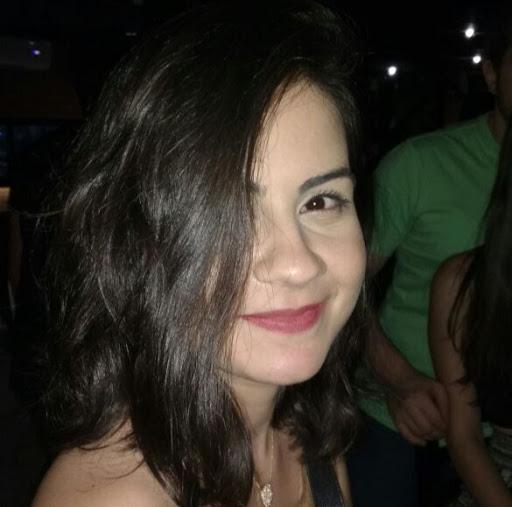 Amanda Alvernaz
