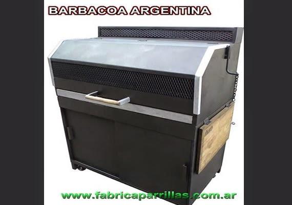 Parrilla barbacoa argentina con cerramiento.