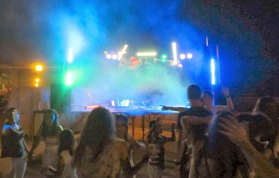 http://orquesta.grupodiamonds.com/discomovilparabodas/