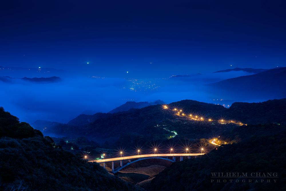 陽明山夜雲海琉璃光