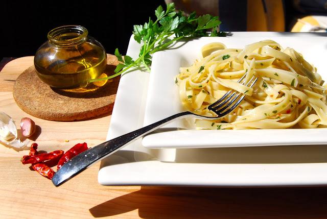 Aglio e Olio, vegan recipe, Italian recipe