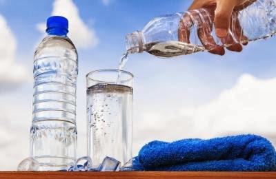 kegunaan minum air setelah bangun tidur