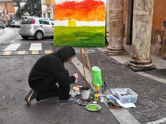 Rocca Lancia mentre dipinge