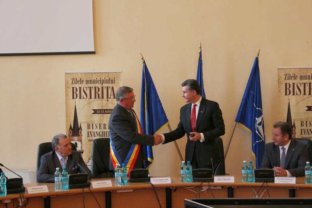 ASR Principele Radu - Întâlnire cu Consiliul Local al municipiului Bistrița, în prezența primarului municipiului, a președintelui Consiliului Județean și a prefectului județului Bistrița-Năsăud