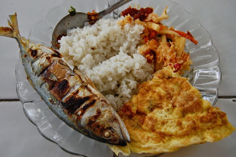 Menu Makan Siang di Pulau Tidung
