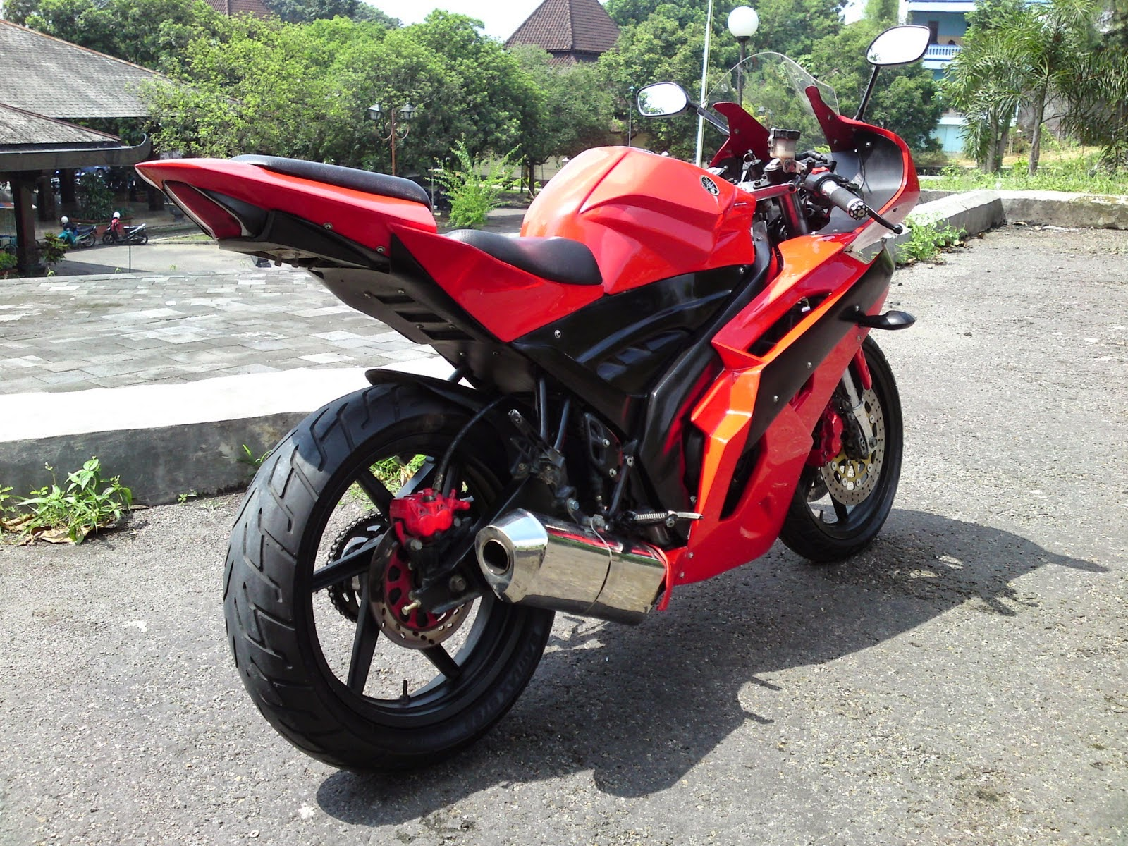 ide modifikasi byson r1
