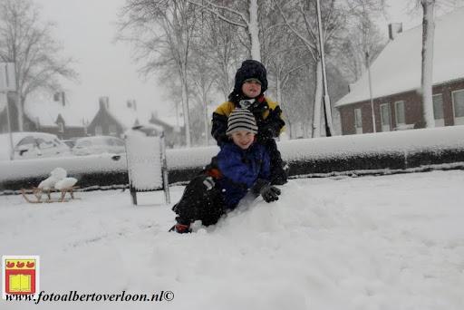 eerste sneeuwval in overloon 07-12-2012  (40).JPG
