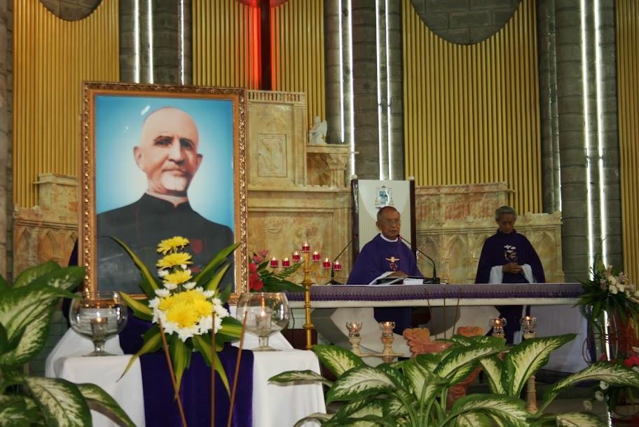 Thánh lễ Giỗ lần thứ 47 của Đức Cha Marcel Piquet Lợi (11/7/1966-11/7/2013),  tại Nhà Thờ Chánh Tòa Nha Trang.