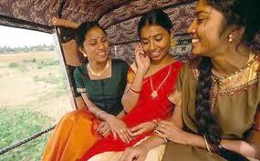 Di India, Perempuan Belum Menikah Dilarang Pakai HP