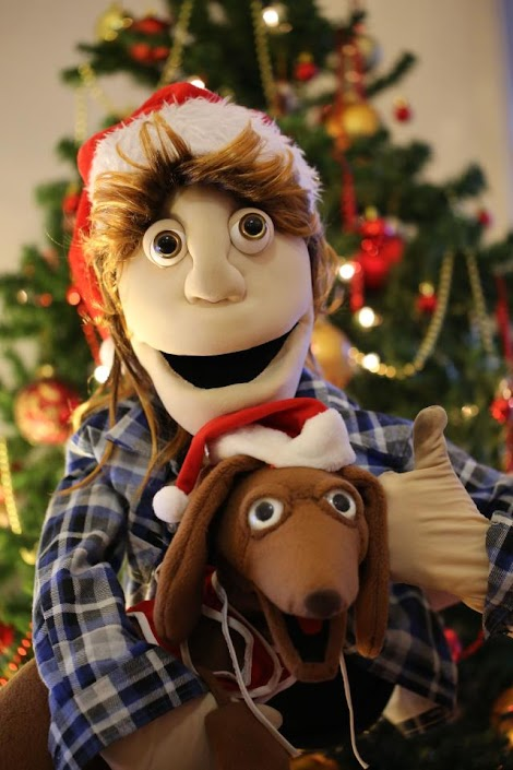 Merry Chrissie from Baz N Snags & the PuppetOOdles!