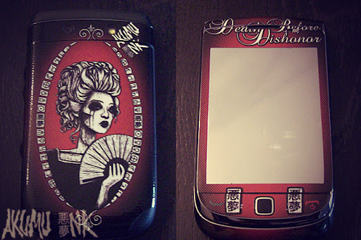 blackberry custom, blackberry skin, blackberry case, iphone zombie skin, custom ipod skins, punk girls, emo accessories