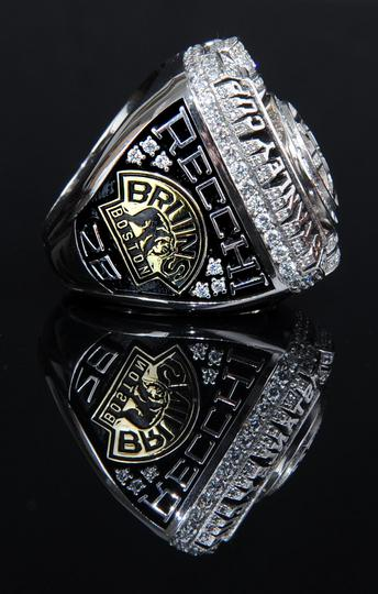 A side-view of Mark Recchi's Stanley Cup champions ring