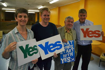 10-07-2014 - By Scott Campbell (+44) 0774 296 870 - Yes Cumbernauld, July 10 2014 Public Meeting, at the Link Centre; Picture 18.
