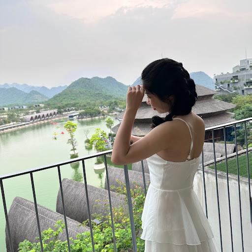 Dương Thùy picture