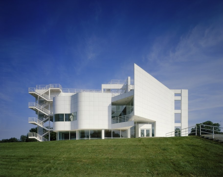 AD Classics: The Atheneum design by Richard Meier & Partners Architects