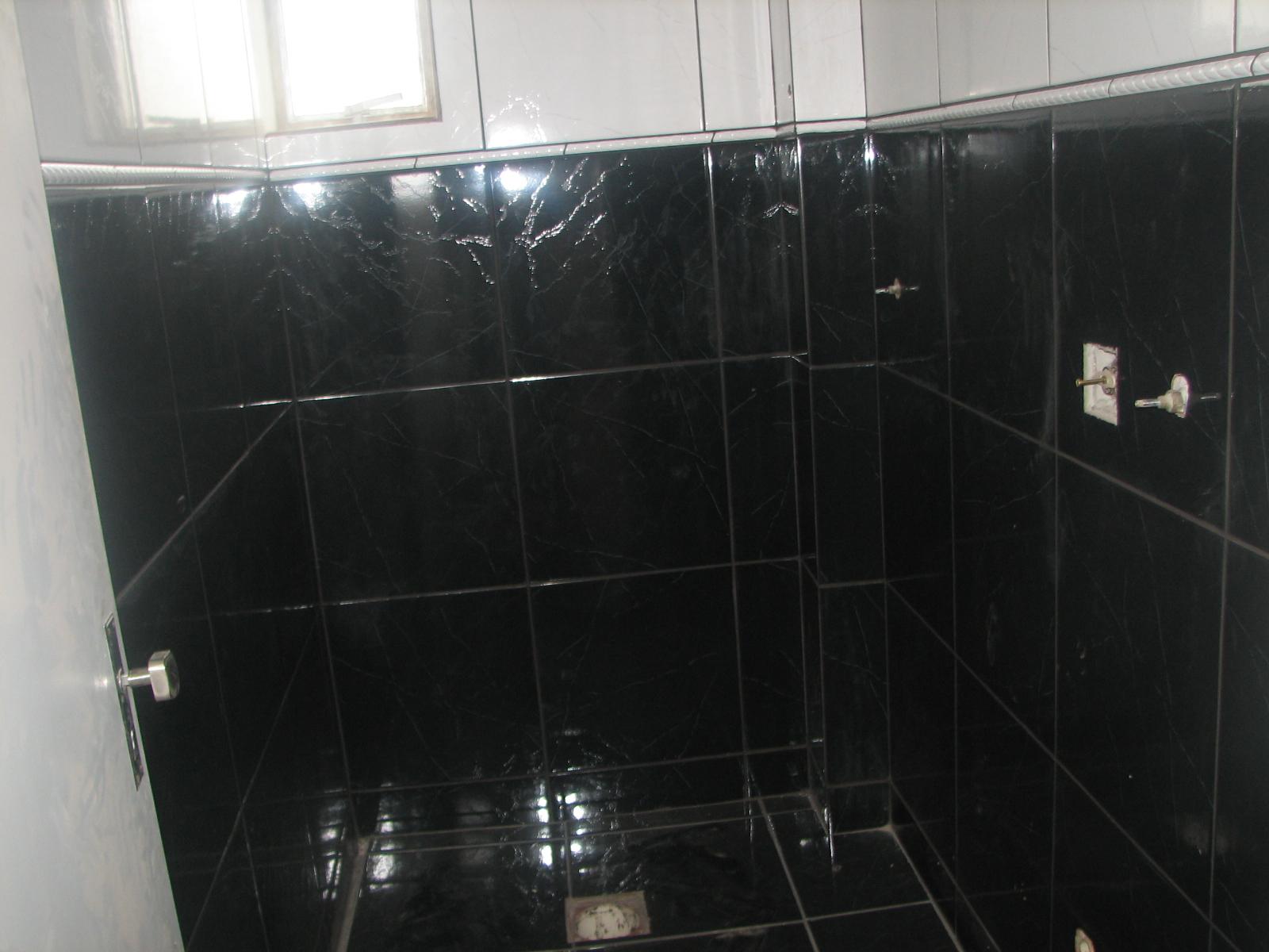 medeiros contruçao em geral 51 92319361 #5A6B71 1600x1200 Azulejos Banheiro Preto E Branco