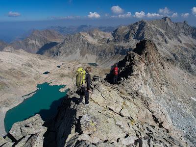 Avancem per la cresta nord del Pic Long cap a l'Agulla Tourrat