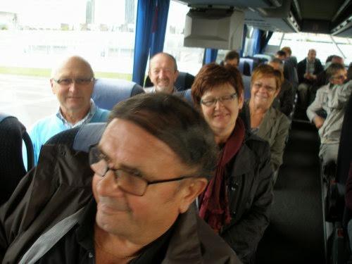 Hup, iedereen op de bus, op weg naar Doel en de haven van Antwerpen