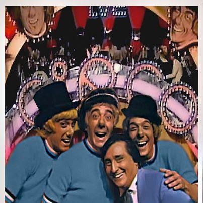 Los Payasos de la Tele también usaron camisetas de color azul (aunque yo no lo recuerde)