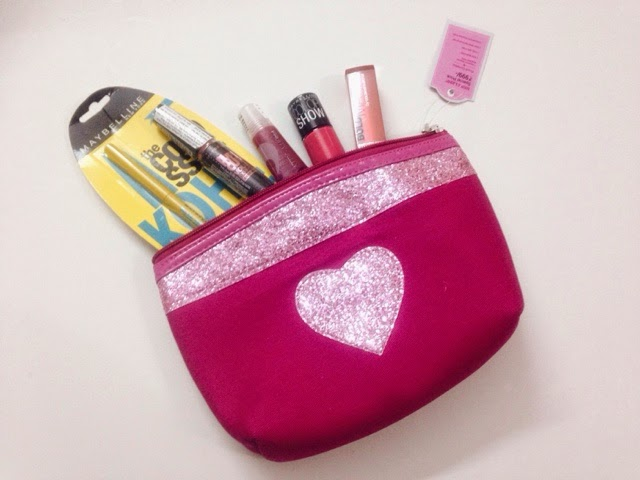 Maybelline Insta glam Valentine's kit.