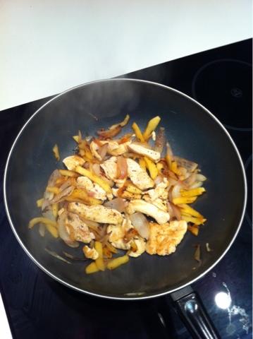 Recetas f ciles para cocinar con wok wok de pollo con manzana - Cocinar con wok en vitroceramica ...