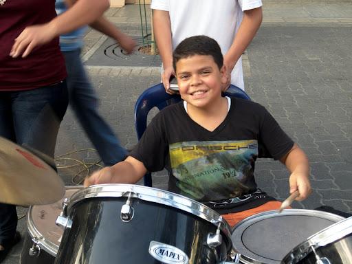 Young drummer in Sabana Grande