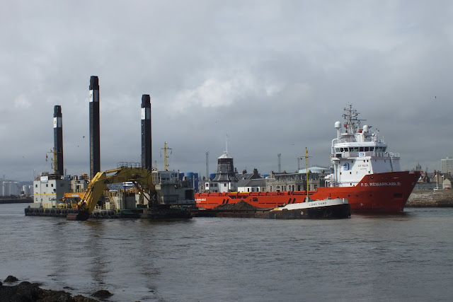 Nordic Giant and Ships in Aberdeen Harbour