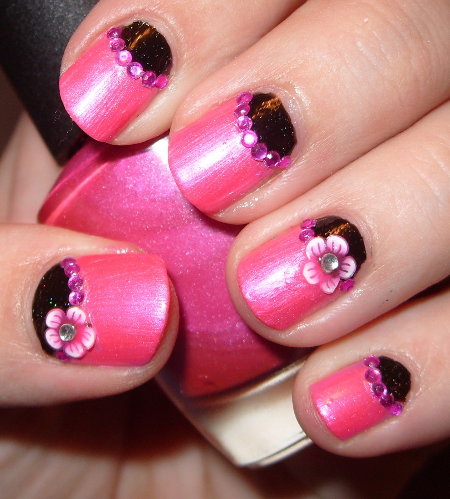 Sharihearts Pink Black Flower Nail Art