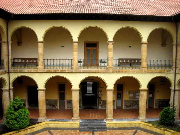 De binnenplaats van de universiteit