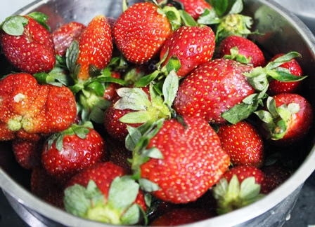 Stewed Strawberries Recipe   How to cook fresh berries for desserts