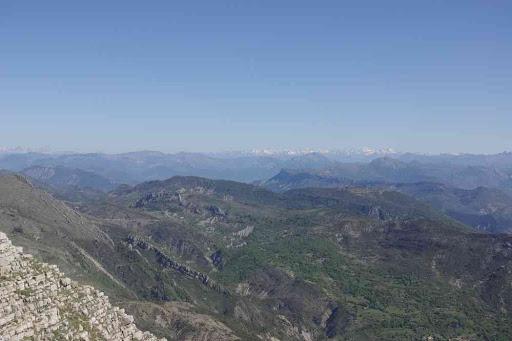 Depuis le sommet du Grand Mourre (1898 m). Vue sur le massif des Écrins