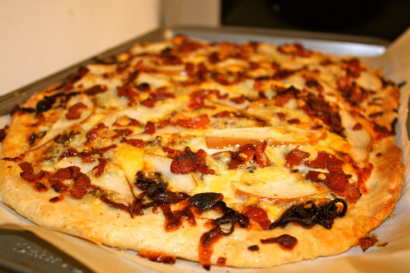 Crispy Bacon, Caramelized Onion & Pear Pizza | The Blog at ...