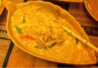 chicken-in-yellow-curry-paste-at-krua-thai
