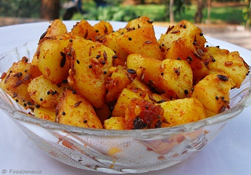 stir fried potatoes (urulai kizhangu roast)